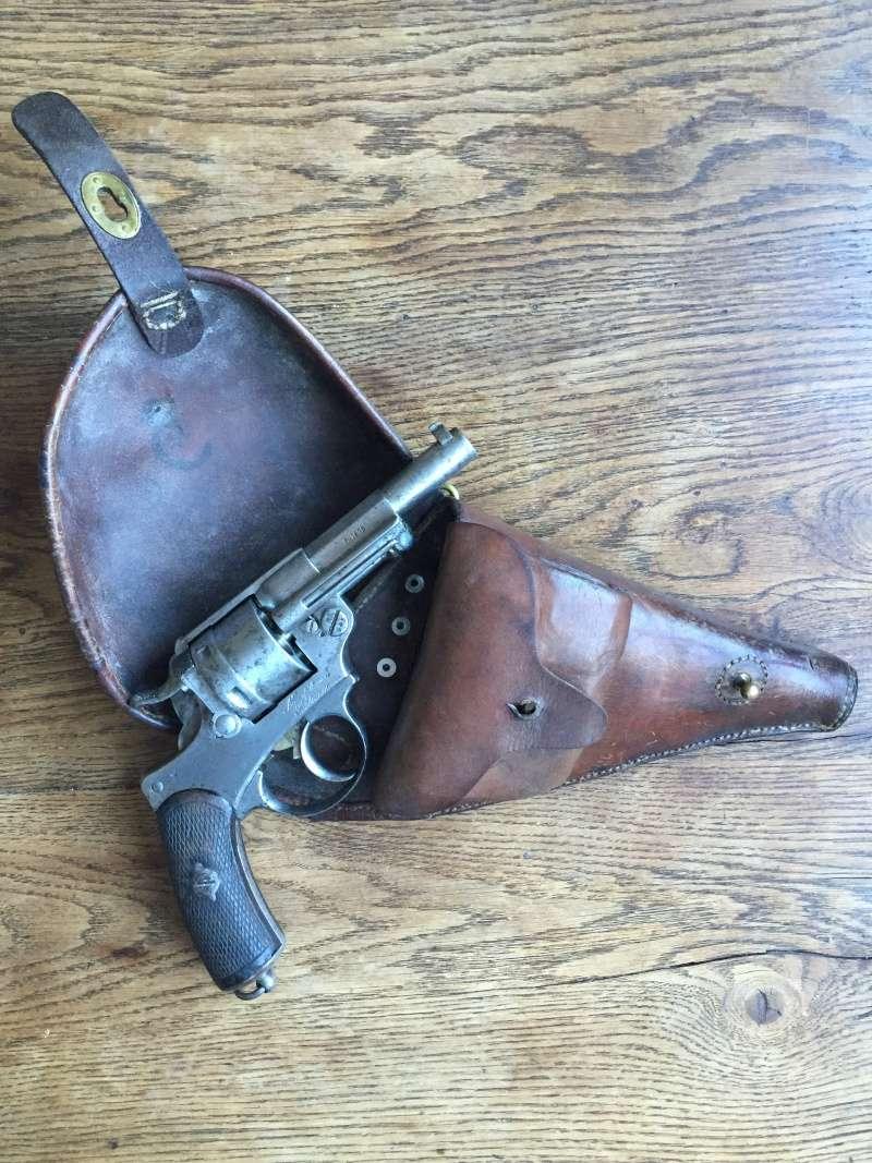 Revolver modèle 1873 et son étui jambon 08510