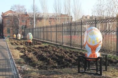 Возле стадиона металлурга в Артемовске-Бахмуте установлены символы единой Украины Img_1010