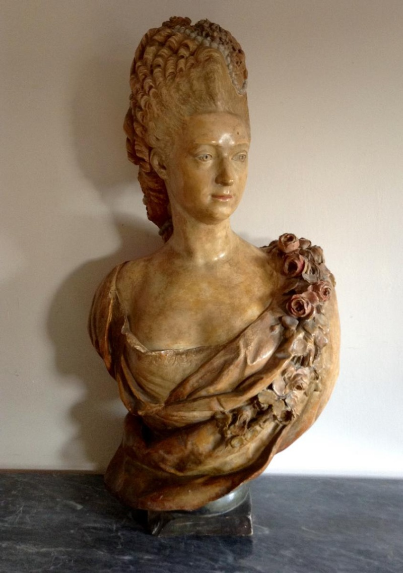A vendre: bustes de Marie Antoinette? - Page 2 14211110
