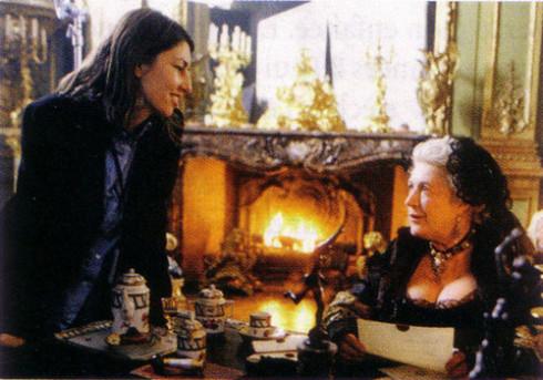 Marie Antoinette avec Kirsten Dunst (Sofia Coppola) - Page 3 Zz10