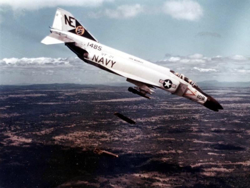 F-4 B Phantom 1/48° - VF-51 - 1972 - Début de patine. F-4b_p10