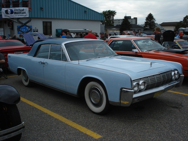 lincoln continental 1964 convertible Dsc00210