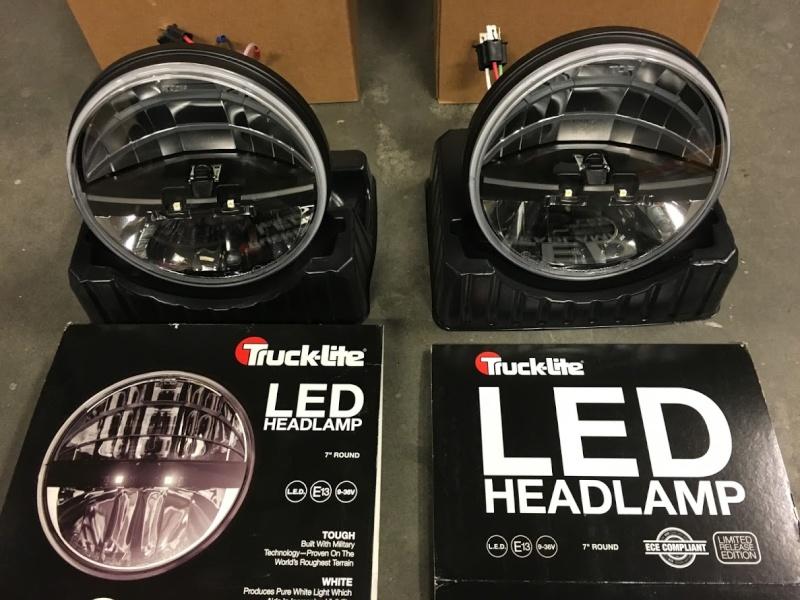 "2 phares LED Truck Lite homologué Rond 7"" Img_5011"