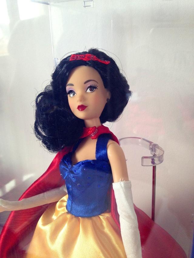Disney Princess Designer Collection (depuis 2011) - Page 3 Img_4117