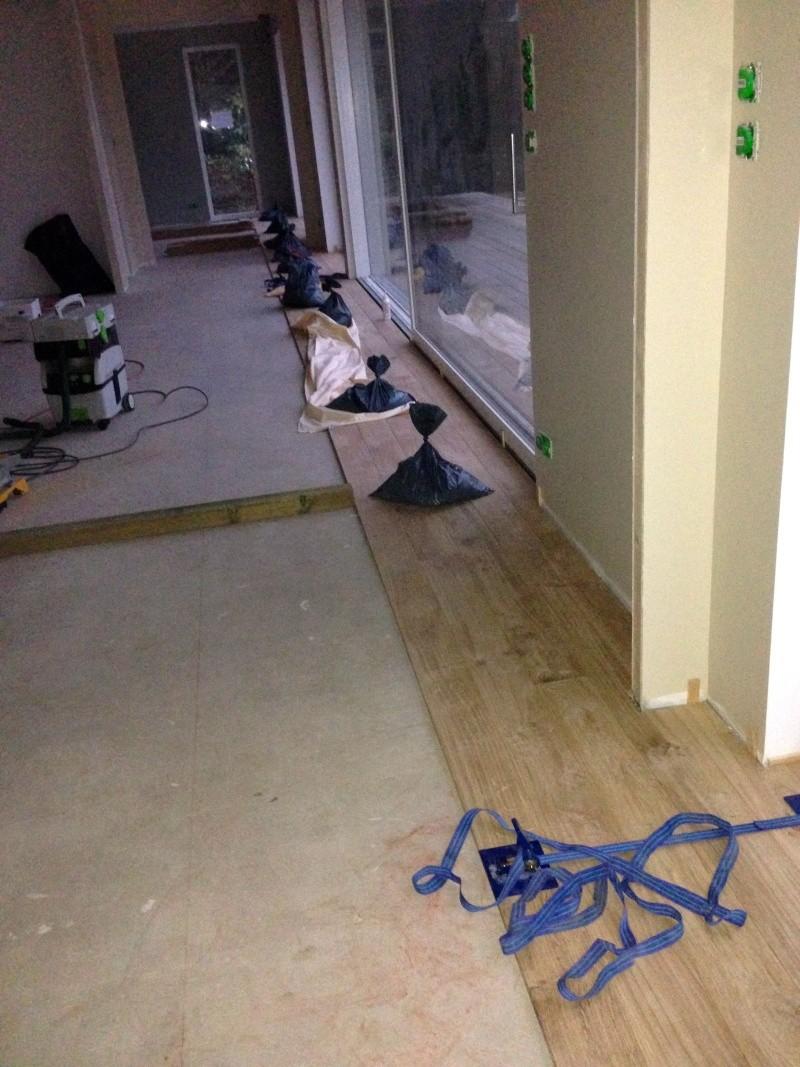 Pose d'un parquet chêne collé sur plancher chauffant Img_4116