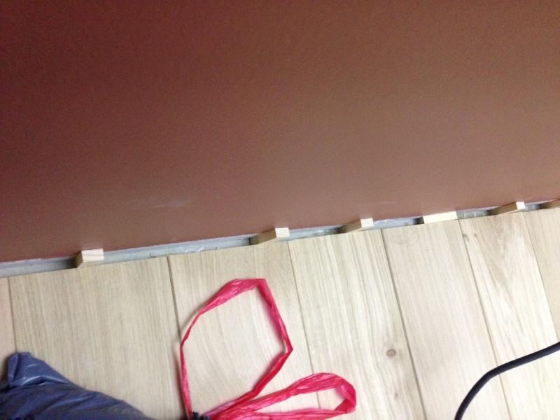 Pose d'un parquet chêne collé sur plancher chauffant Img_4216