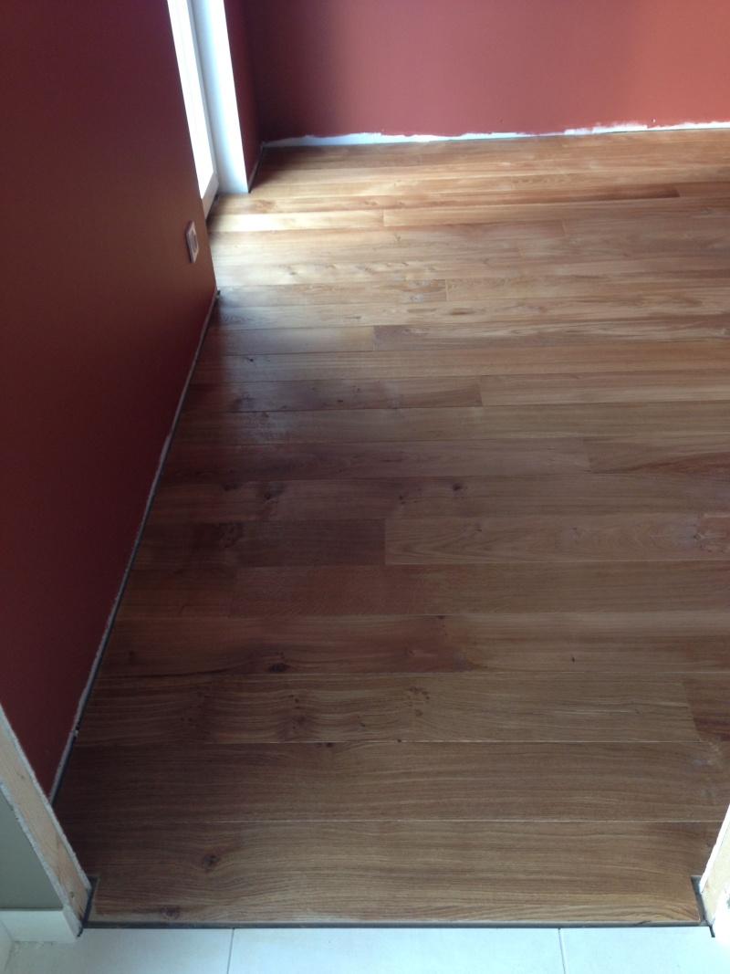 Pose d'un parquet chêne collé sur plancher chauffant - Page 2 Img_4320