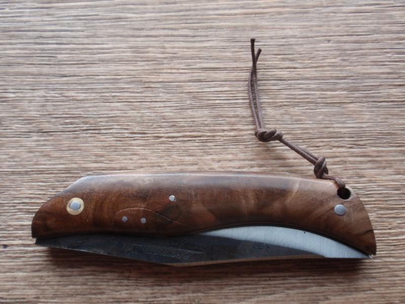 La collection de Couper au couteau - Page 3 P8233131