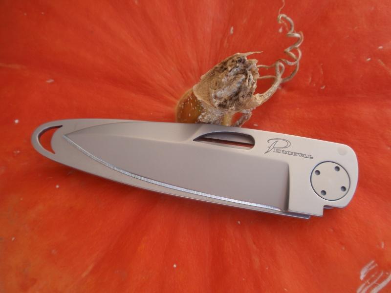 La collection de Couper au couteau - Page 3 Pa193110