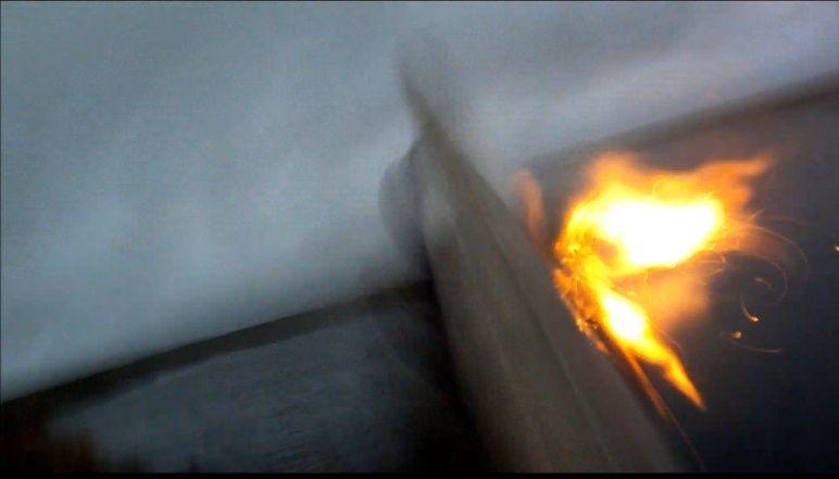 Grosse flamme à la sortie de la chambre Captur12