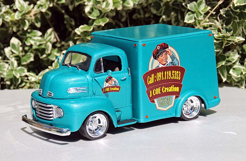 """FORD 1948 COE """"box van"""" : Terminé !!!! Img_9411"""