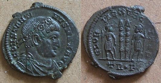 Gloire à l'armée... et aux Constantin I et II Consta10