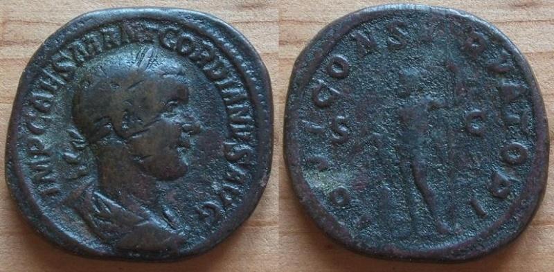 Sesterce de Gordien III, un petit doute Gordie11