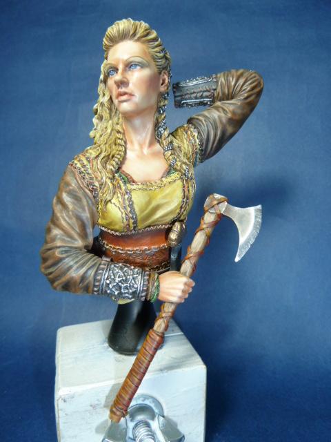 Buste guerrière Viking , suite P1070810