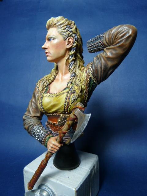 Buste guerrière Viking , suite P1070811