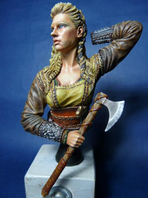 Buste guerrière Viking , suite P1070814