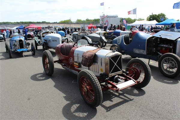 VINTAGE REVIVAL MONTLHERY 2015 - Page 8 Monthl10