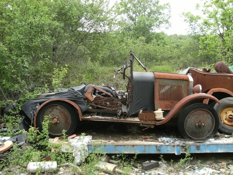 Les voitures abandonnées/oubliées (trouvailles personnelles) - Page 5 Dscf4811