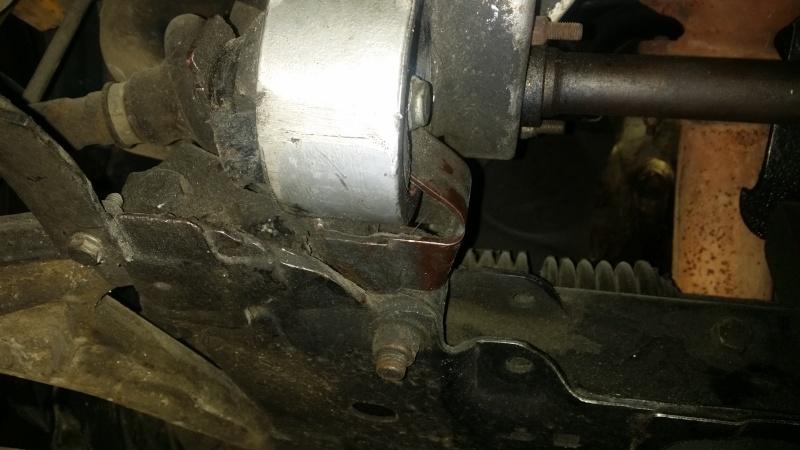 Réglage latéral du moteur sur silent bloc possible ? 20151226