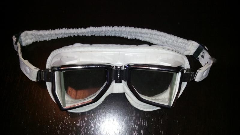 casque , combi pluie , véritable lunettes CLIMAX , pantalon cuir  Img_2012