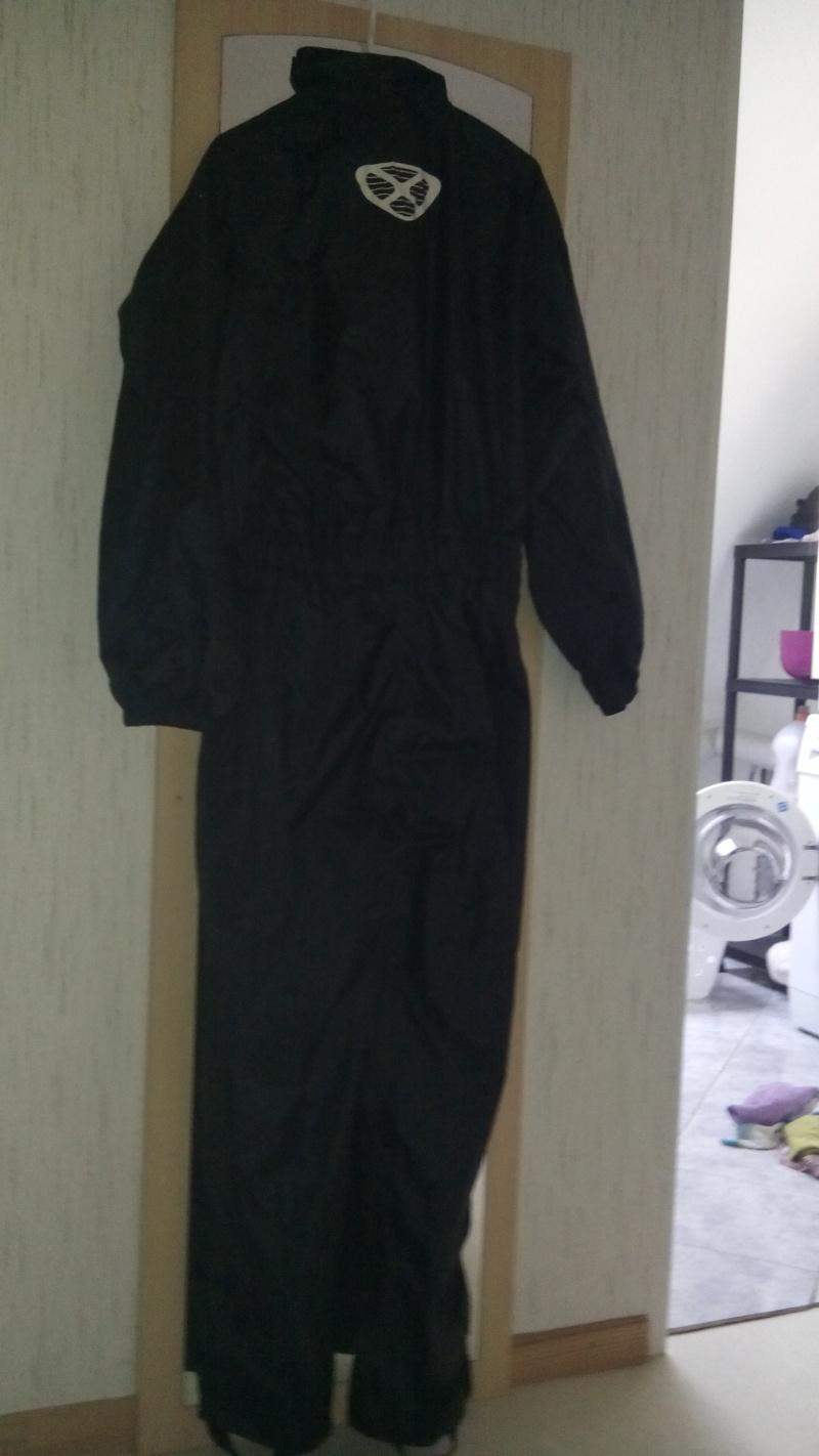 casque , combi pluie , véritable lunettes CLIMAX , pantalon cuir  Img_2013