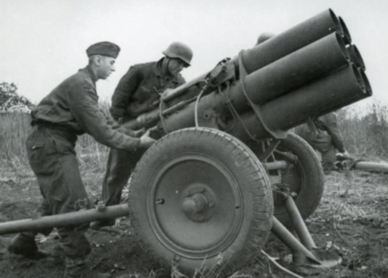 Carnet de route de Jacques Bégin III/ RMT 10ème Cie - Page 2 Panzer12