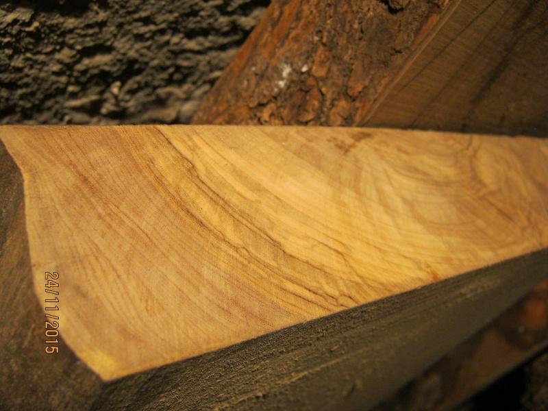 Aiuto riconoscimento legno Img_2712