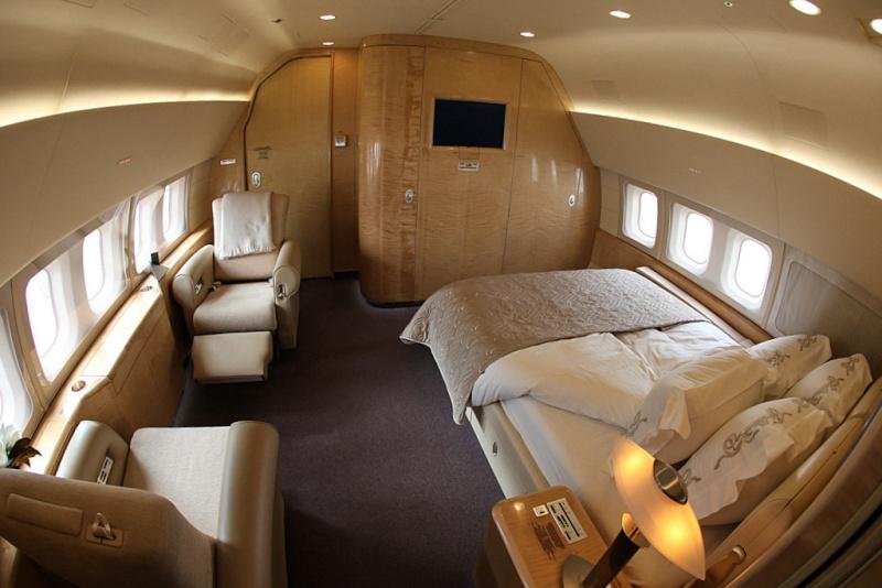 Частный самолет Ван дер Вудсен  10085910