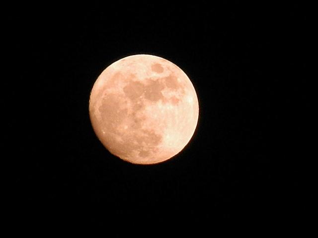 dalla finestra di casa :) Luna_f10