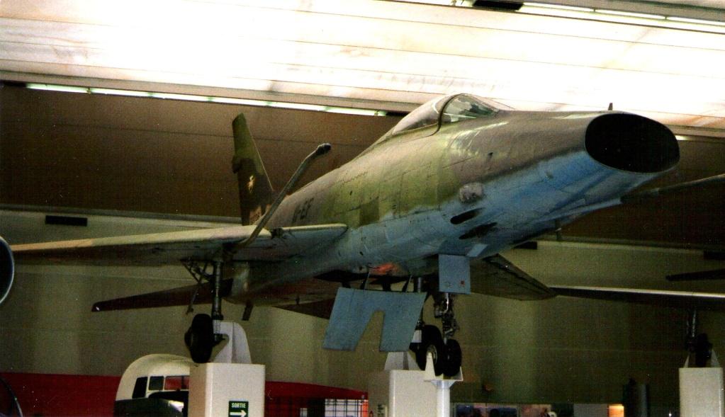 F-100D SuperSabre Trompette 1/32 Img50610