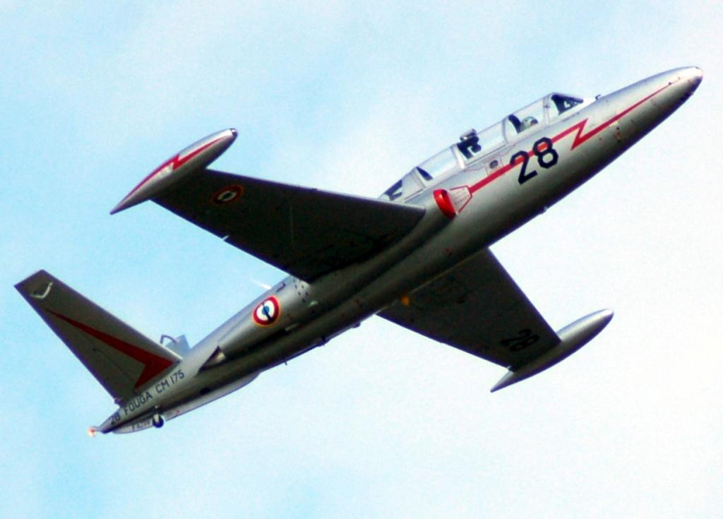 Fouga CM-175 Zéphyr-Spécial Hobby-1/72° (terminé) - Page 6 Pic09210