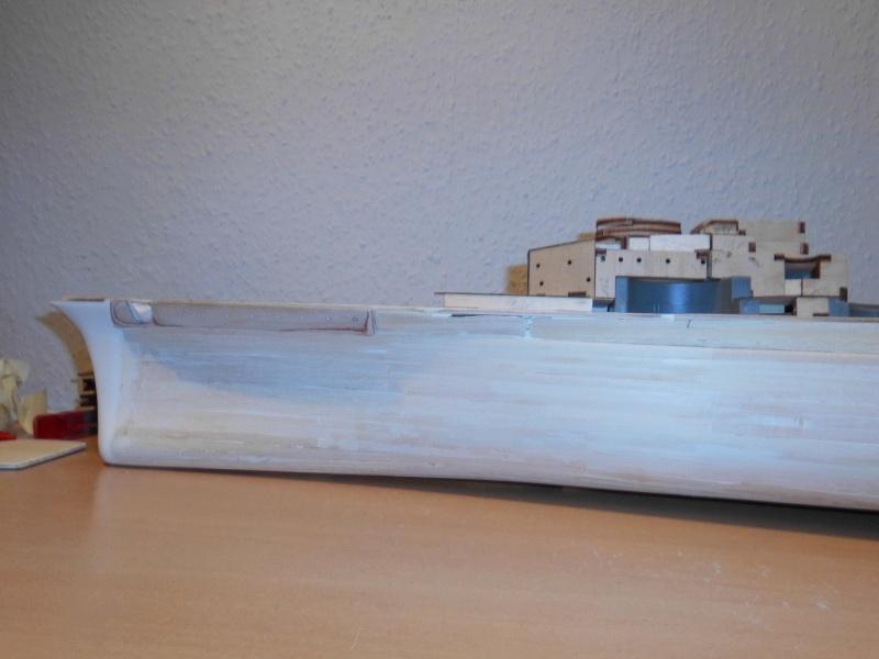 bau der Bismarck 1:200 von Hachette Dsci0010