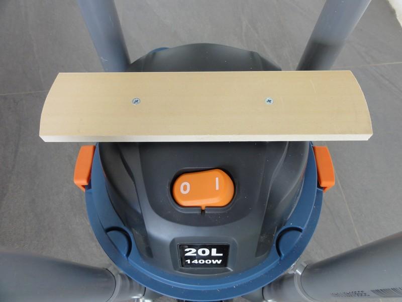 un aspi cyclone gain de place a base de dust commander dlx  Dsc00718