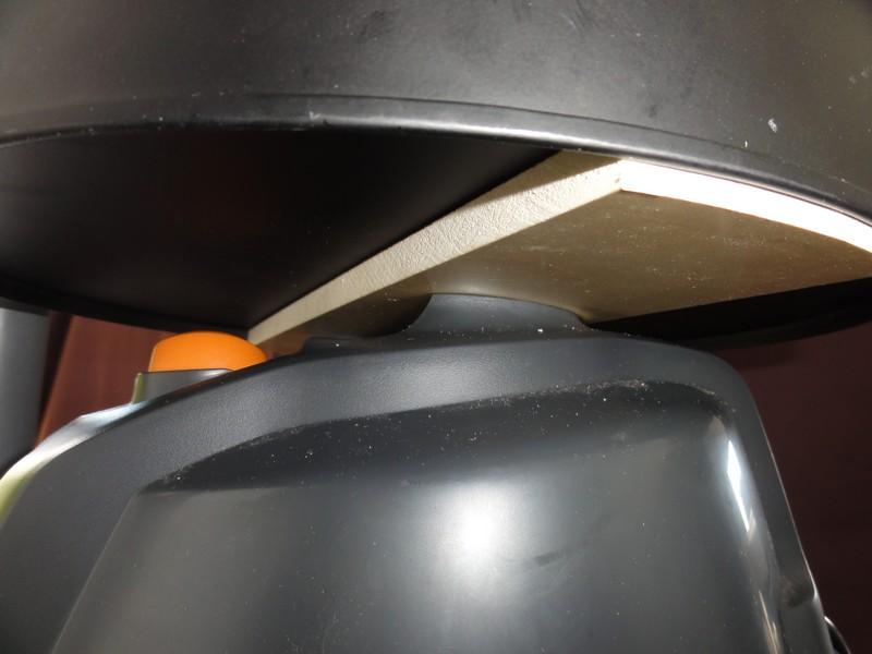 un aspi cyclone gain de place a base de dust commander dlx  Dsc00719