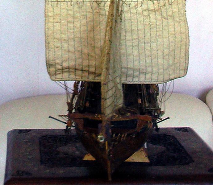 LA TOULONNAISE, goelette de 1823 au 1/75 par parellum, sous voiles, et photos Musée de la Marine Toul110