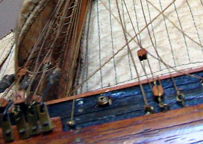 LA TOULONNAISE, goelette de 1823 au 1/75 par parellum, sous voiles, et photos Musée de la Marine Toul310