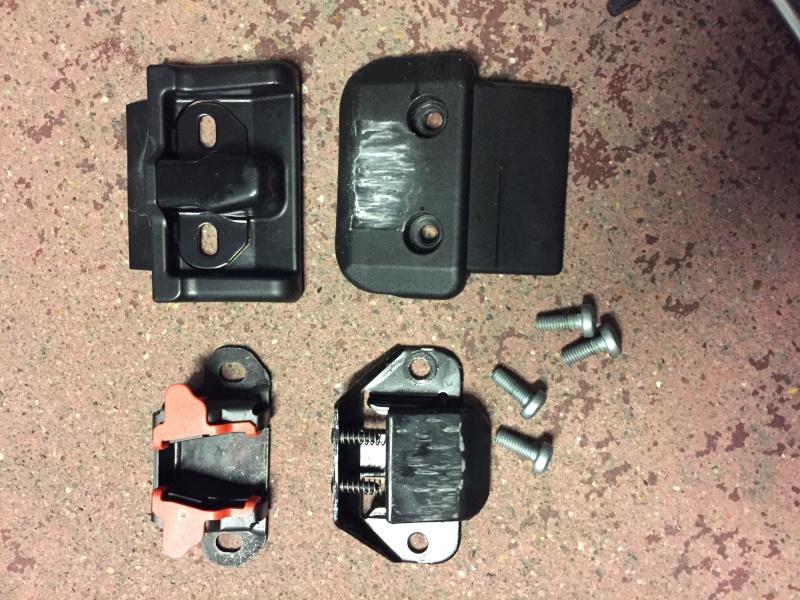 Pièces détachées pour porte vélos d'origine Mercedes Img_7810