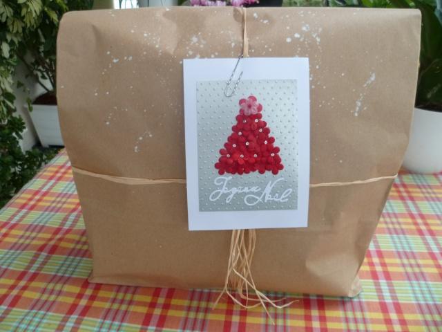 9 décembre : Emballons nos cadeaux ... - Page 2 P1020710