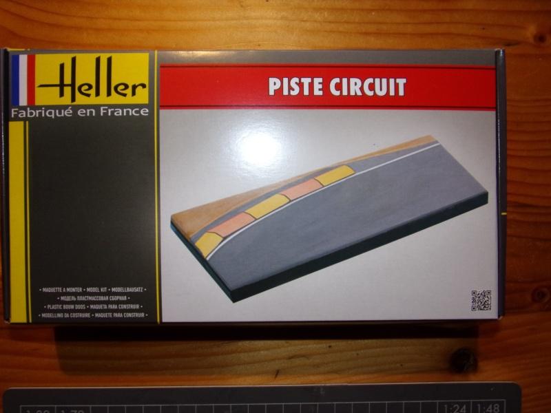 Piste circuit 1/43ème Réf 81252 100_0745