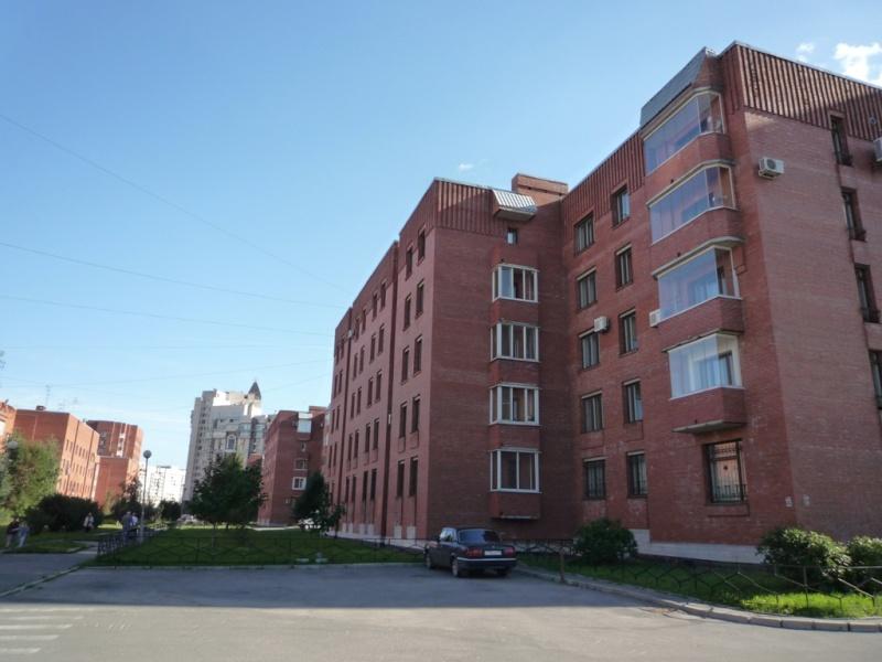 4 комнатная квартира в Выборгском районе, Санкт-Петербург A_uaii10