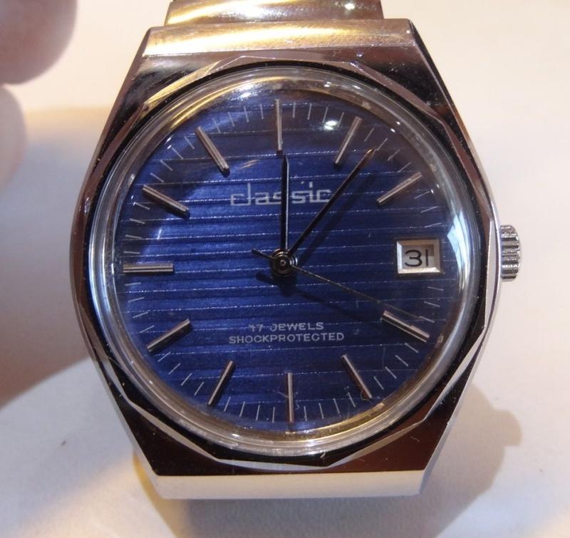 Marques d'emprunt ou d'exportation des montres soviétiques - Page 2 Classi10