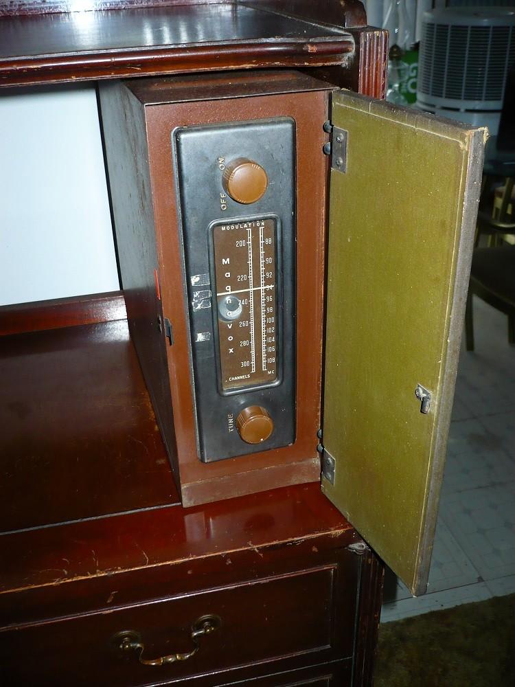 Magnavox 153B Hepplewhite. P1000715