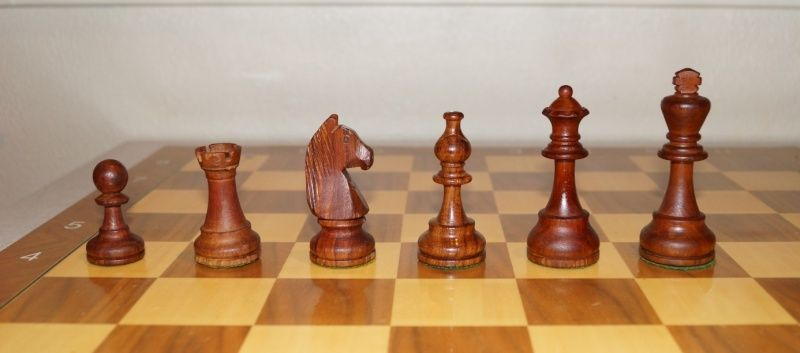 Share your primary chess set Black_10