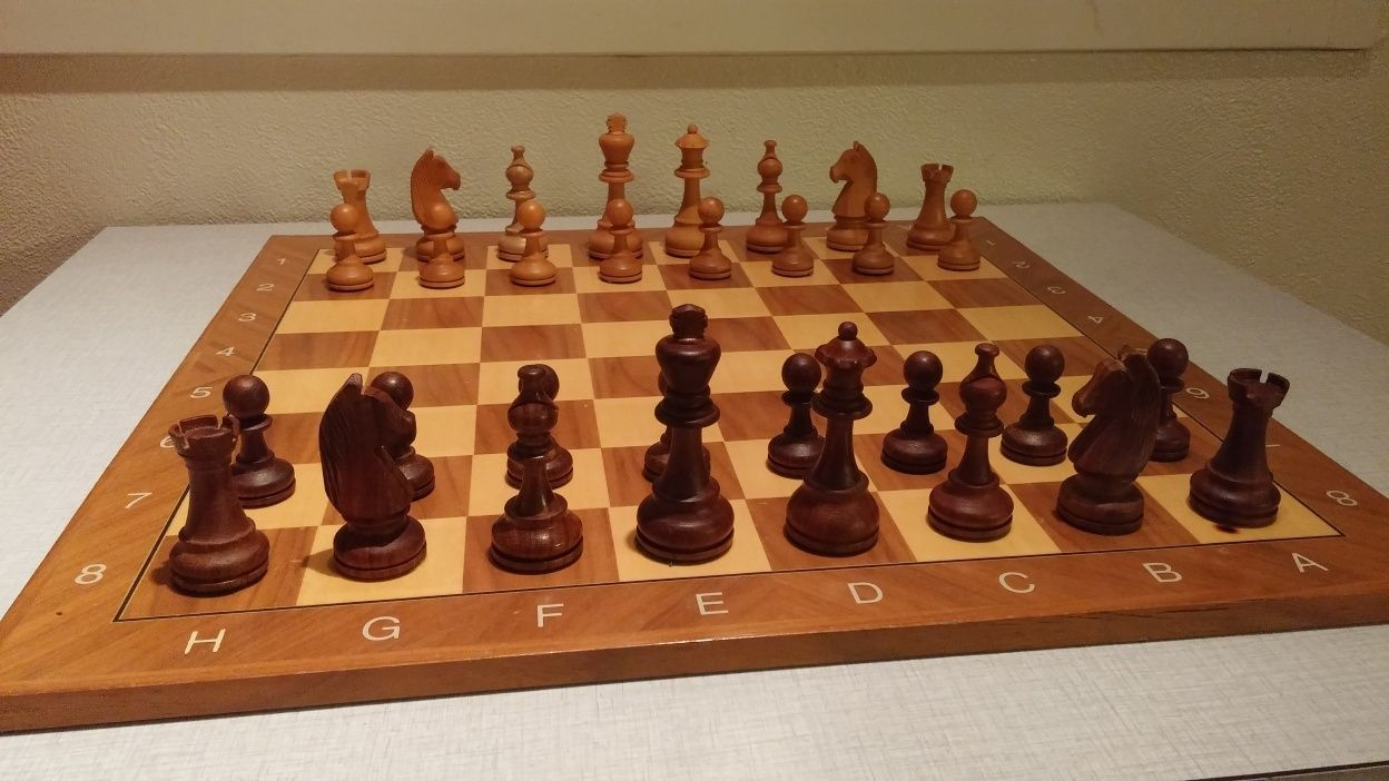 Share your primary chess set Full_s10