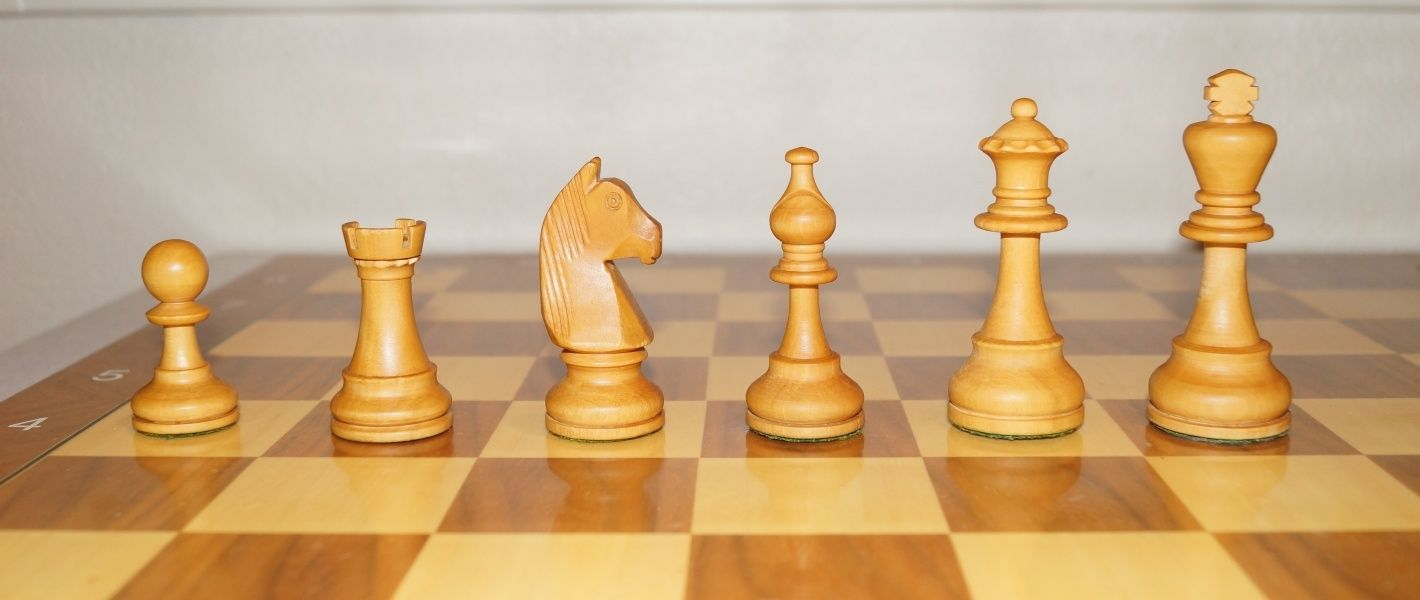 Share your primary chess set White_10