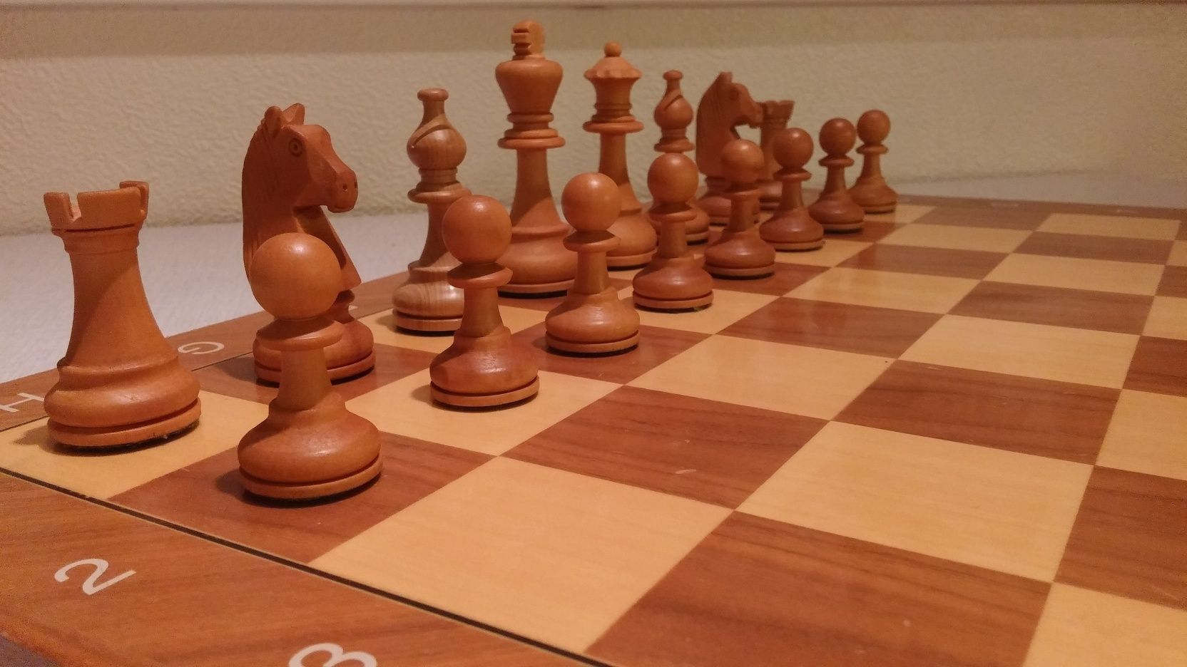 Share your primary chess set White_11