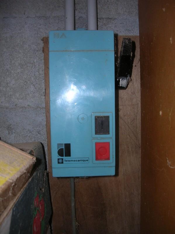 SENSIBILISATION face aux risques d'accidents dus à l'ELECTRICITE  - Page 2 Dscn1110