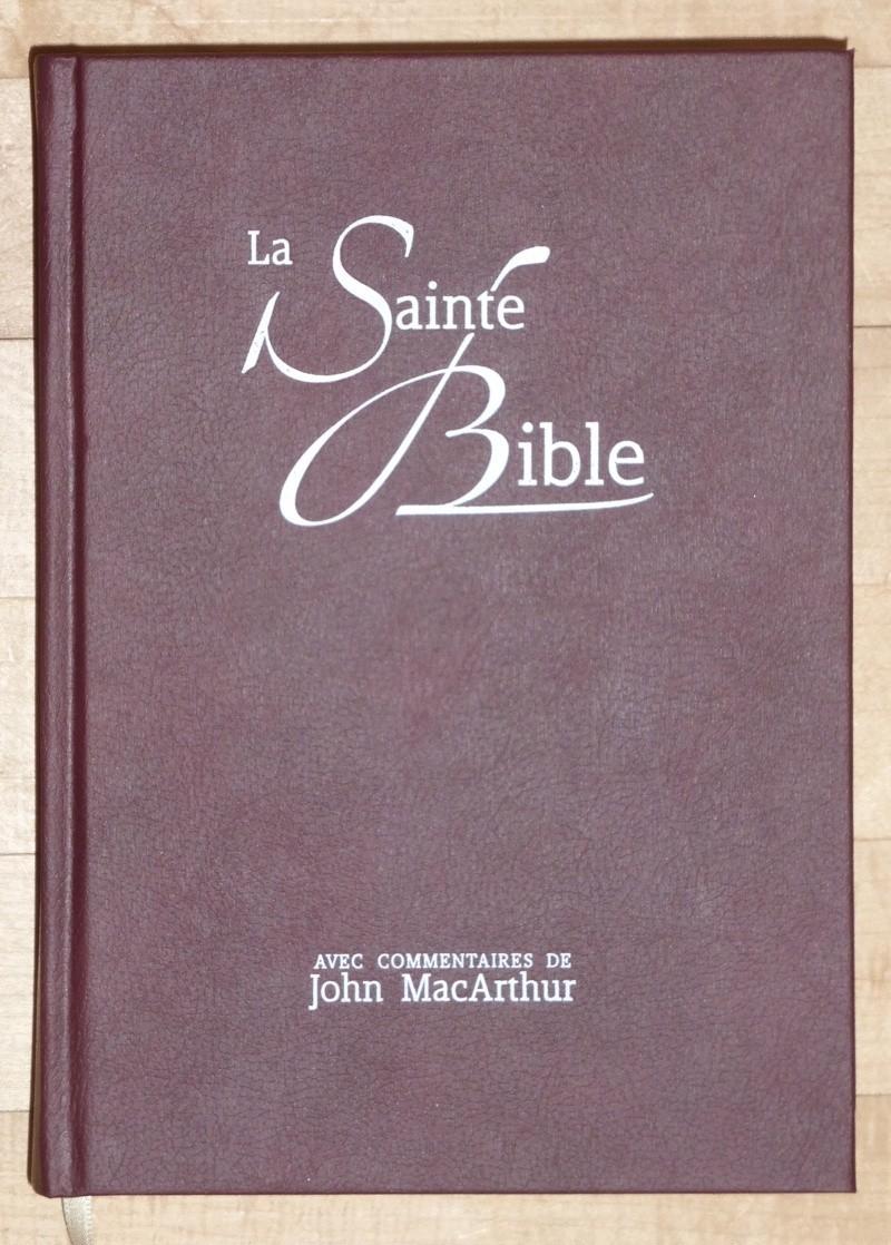 Parlons traductions/éditions/versions de la Bible - Page 19 P1060610