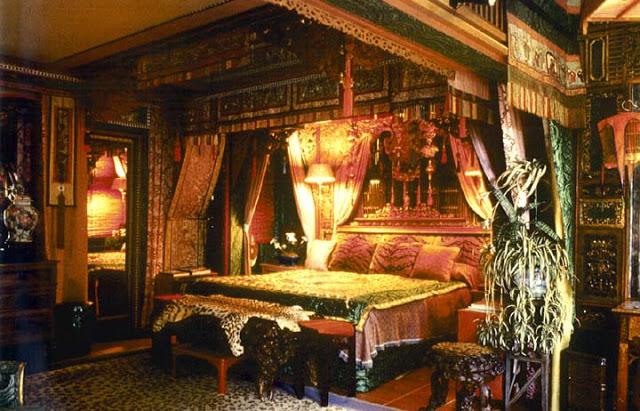 The King's Bedchamber 053daw10