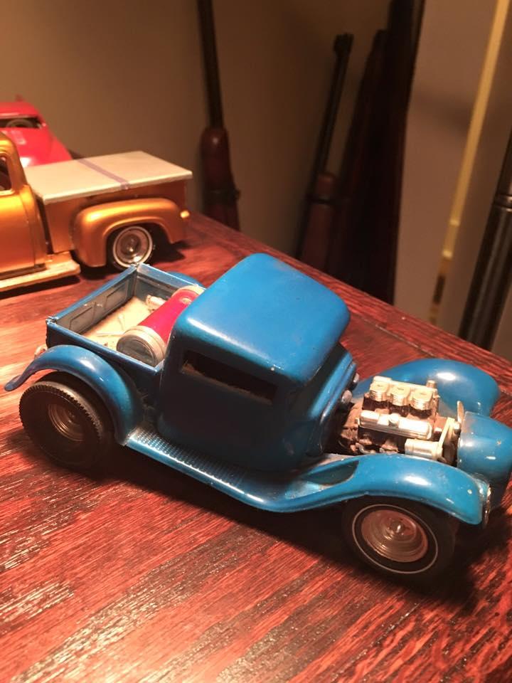 Vintage built automobile model kit survivor - Hot rod et Custom car maquettes montées anciennes - Page 4 10341610